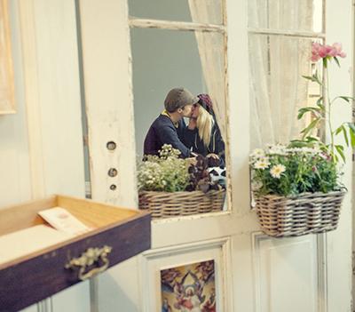 Hochzeitsfotof_Berlin_Weise_Tür_04