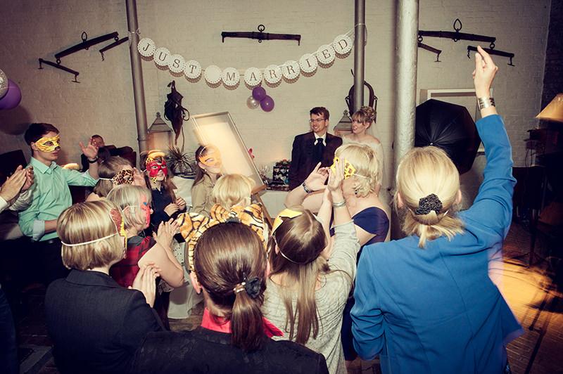 Hochzeit_Berlin_Britz_Schloss_Ochsenstall_Foto_Ganzinweise