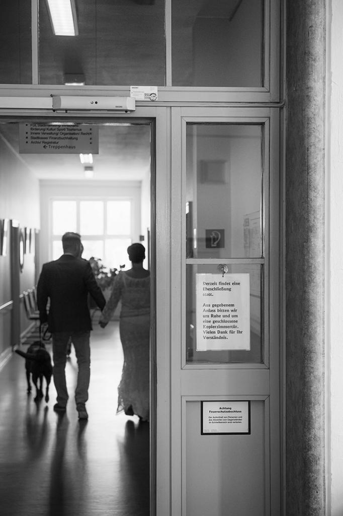 01_Hochzeitsfotograf_HohenNeuendorf_Hund_Heiraten