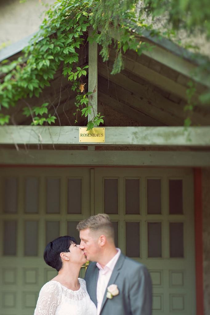 10_Hochzeitsfotograf_Kremmen_Ziethen_Hund_Heiraten