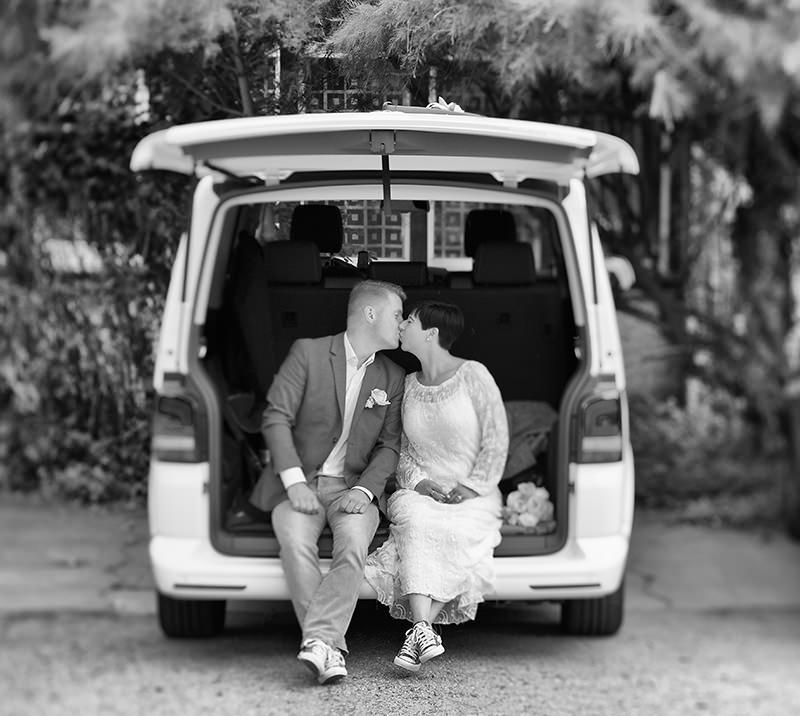 19_Hochzeitsfotograf_Schloss_Kremmen_Ziethen_Hund_Heiraten