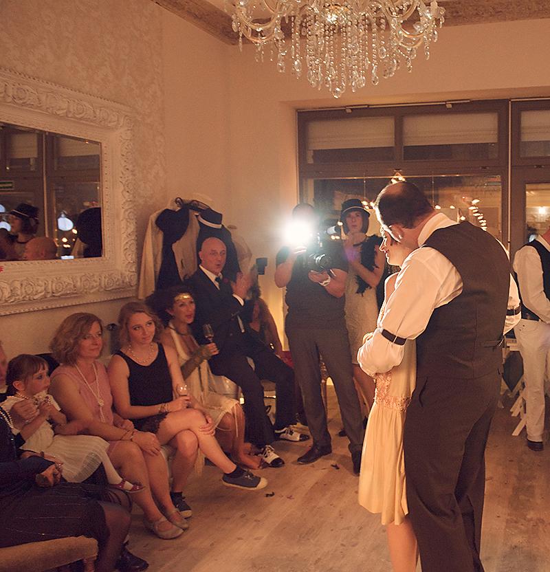 40_GanzinWeise_Berlin_Hochzeitsfotograf_20erJahreHochzeit