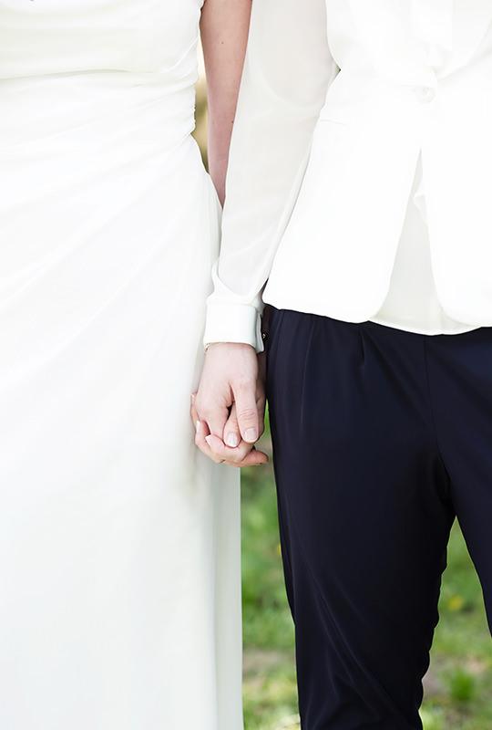 10_gleichgeschlechtliche_Hochzeitsfotograf_Lakeside_Ganzinweise_lesbische_gaywedding