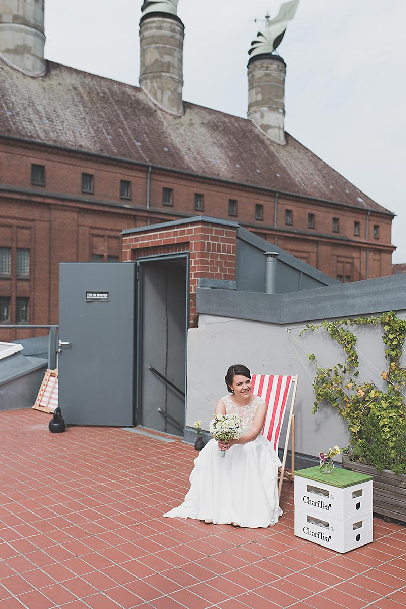 Hochzeitsfotos auf dem Tempelhofer Feld Schöneberg Ganz in Weise Wirtshaus zum Oberstübchen
