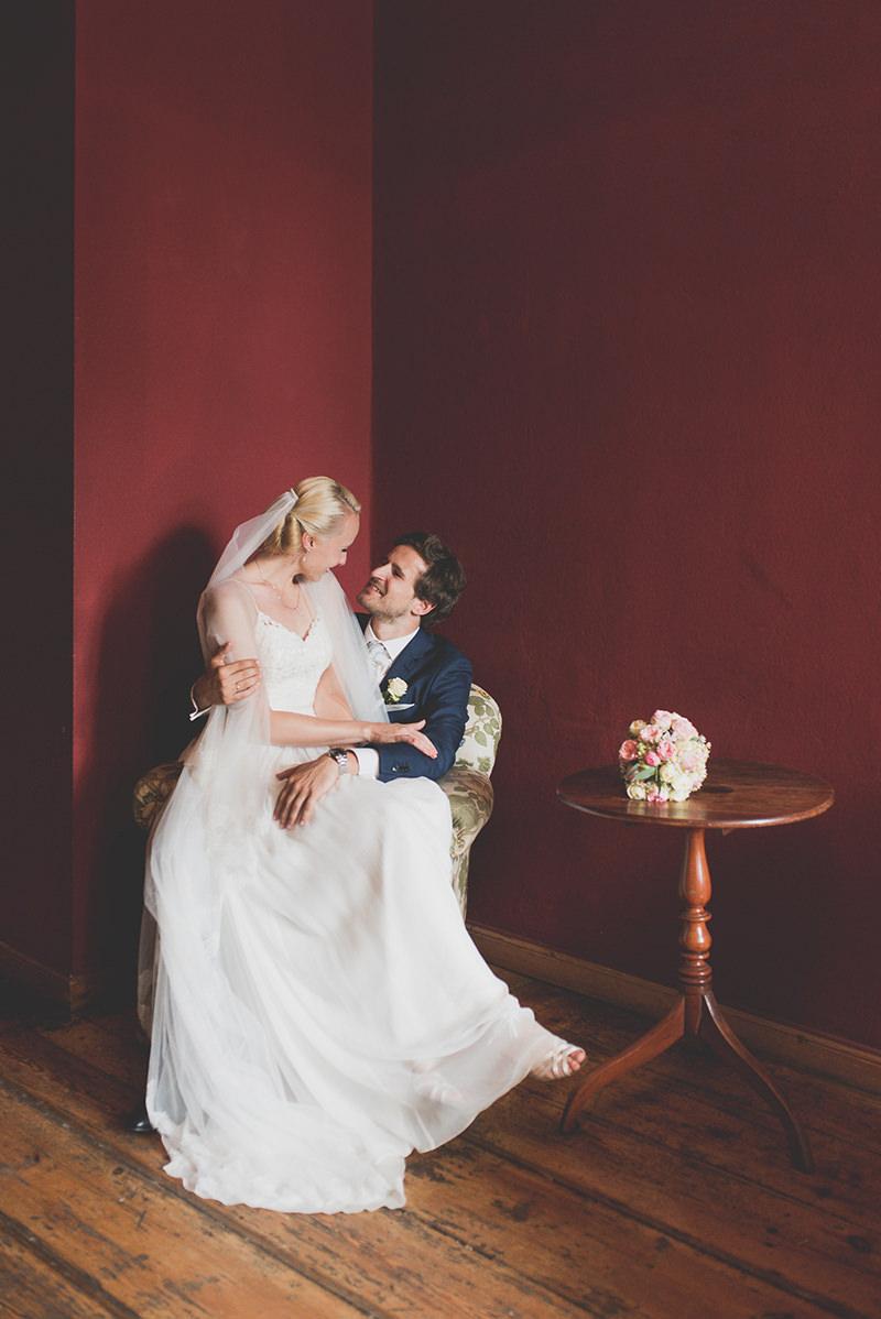 Ganz in Weise Sommerhochzeit im Ballsaalstudio Wedding Berlin und Sophienkirche Wedding