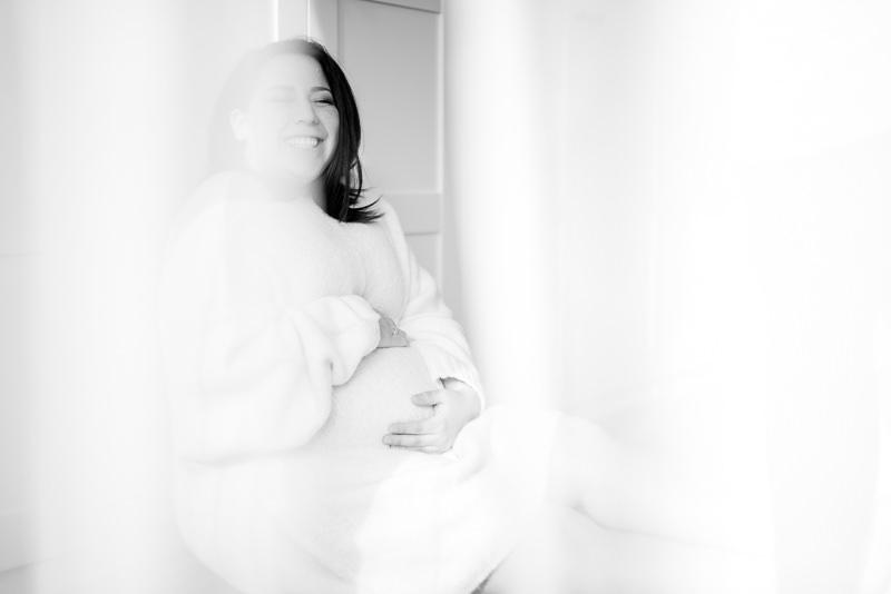 Babybauch-Shooting Berlin Homestory Schwangerschaft Ganz in Weise