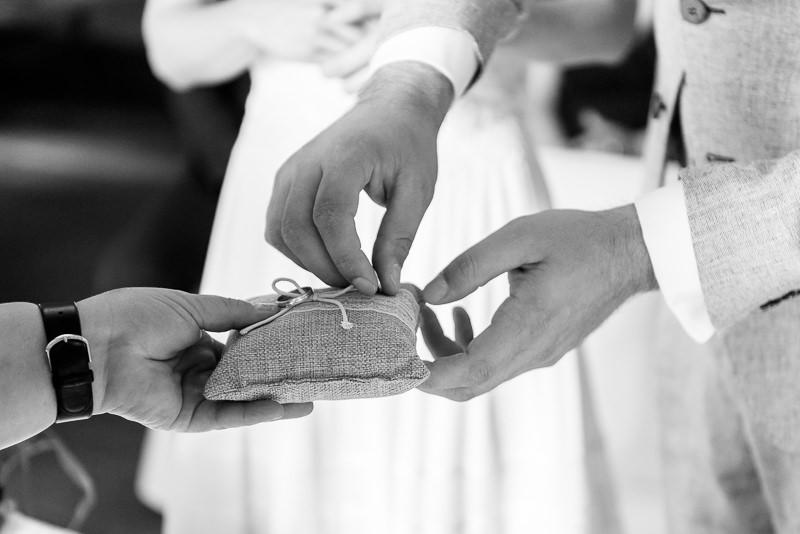 Heiraten_am_See_Hochzeitsfotograf_Seehotel_Neuklostersee